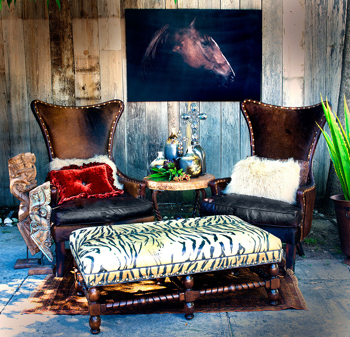 Chairs Accent Pieces and complementary furniture pieces for